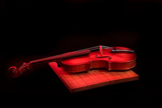 Photo en stock: violon isolé sur fond noir