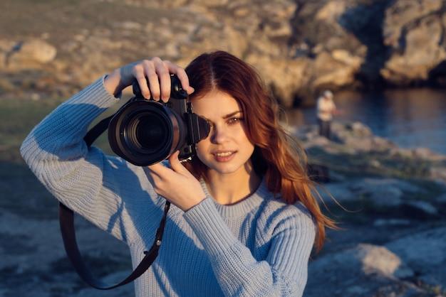Photographe femme rousse nature montagnes rocheuses professionnel