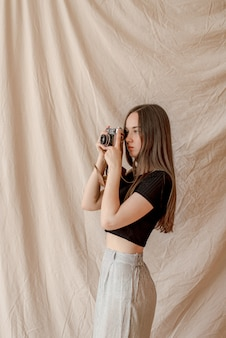 Photographe fille faisant des photos