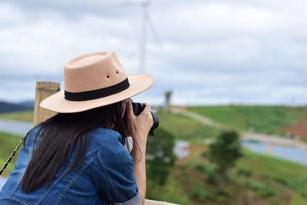 Les photographes prennent des vues panoramiques.