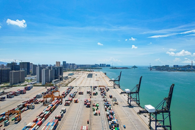 Photographie aérienne du terminal à conteneurs