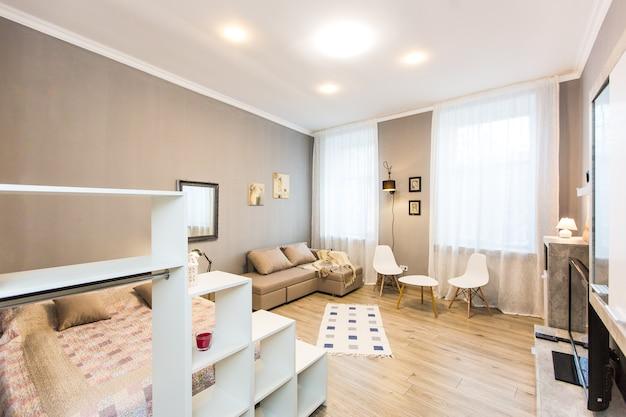 Photographie D'intérieur, Chambre Moderne, Avec Tv Photo Premium