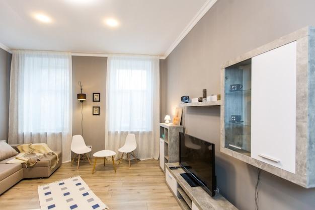 Photographie d'intérieur, chambre moderne, avec tv