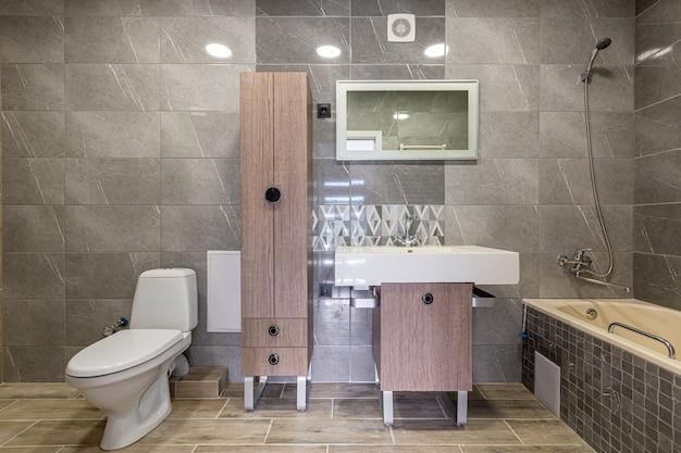 Photographie d'intérieur, salle de bain avec de beaux carreaux modernes
