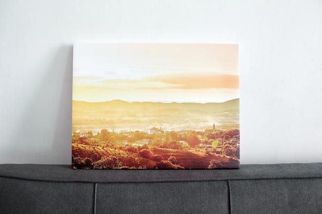 Photographie de paysage d'impression sur toile étirée sur un cadre avec un mur blanc de décoration intérieure de wrap de galerie