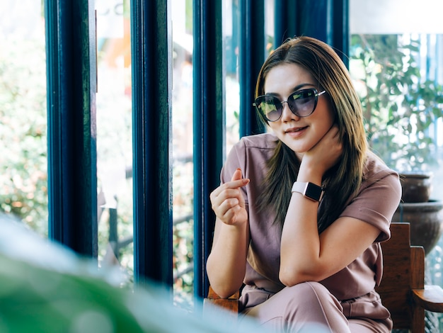Photographie de portrait de jolie femme asiatique