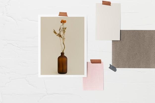 Photos collées sur un mur décor à la maison