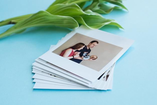 Photos instantanées avec des feuilles