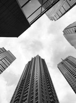 Photos stock immeuble de bureaux moderne