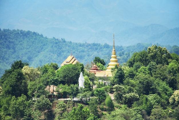 Phra that si maha pho mongkol boom chum à doi mae slong, chiang rai, thaïlande