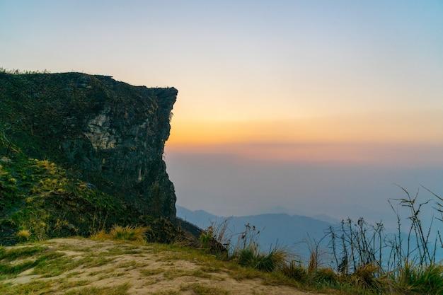 Phu chee fah au lever du soleil, chaing rai, thaïlande