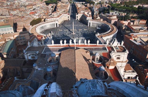 Piazza san pietro ou place saint-pierre, vatican, rome, italie.