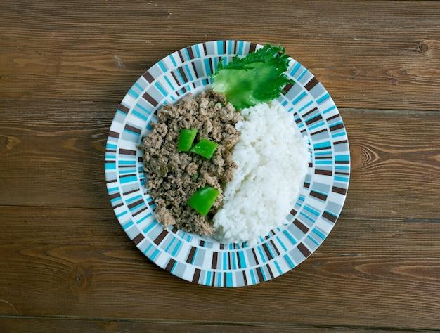 Picadillo a la habanera cuba cocina viande hachée avec du riz sur le cubain