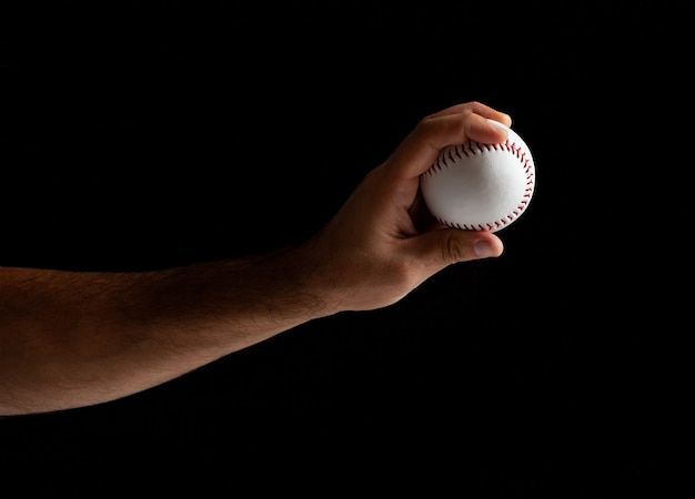 Pichet de baseball prêt à lancer