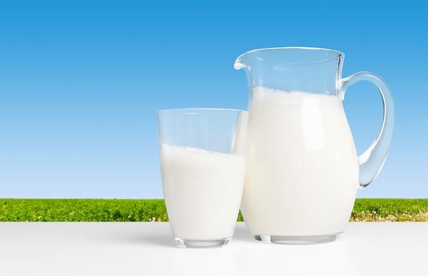 Pichet avec du lait