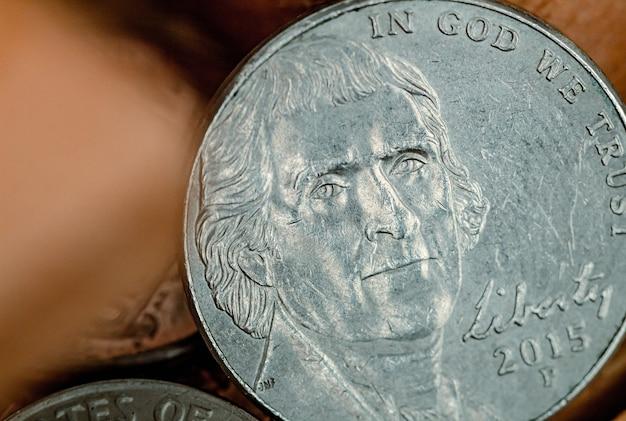 Pièce de cinq cents en dollars américains en macrophotographie montrant le dos de la pièce