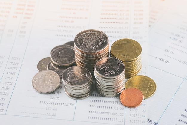 Pièce sur le concept de bookbank économiser de l'argent