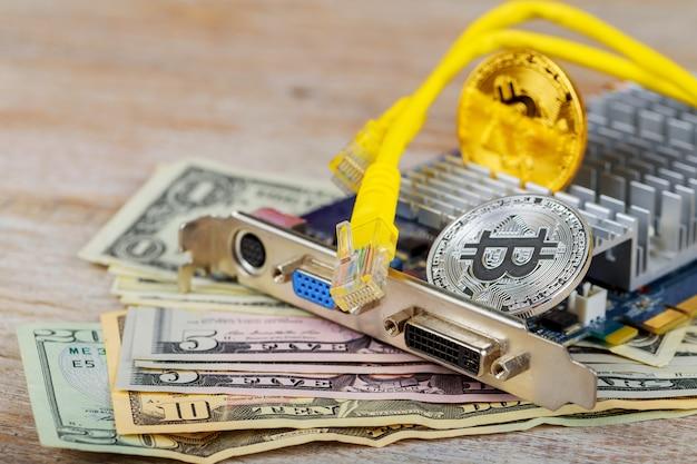 Pièce d'or de bitcoin contre le