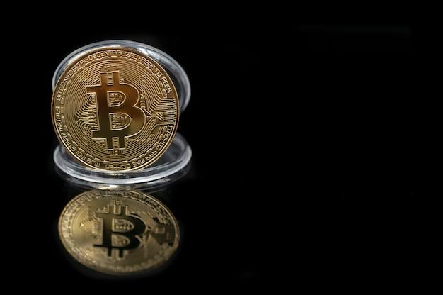 Pièce d'or bitcoin avec espace copie
