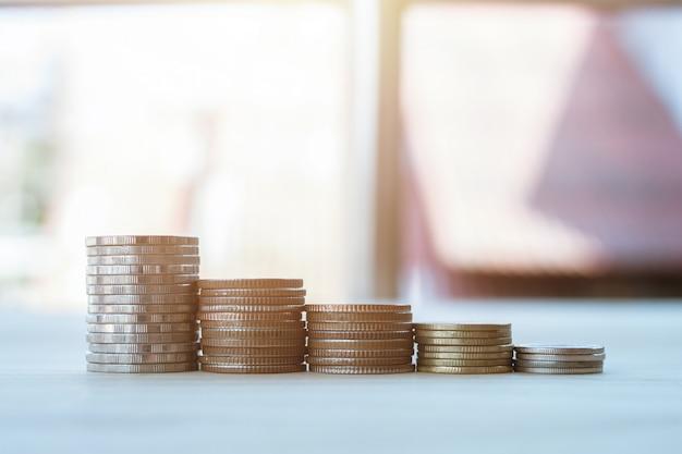 Pièce pour économiser de l'argent pour une bonne croissance financière dans votre vie