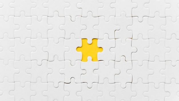 Une pièce de puzzle manquante