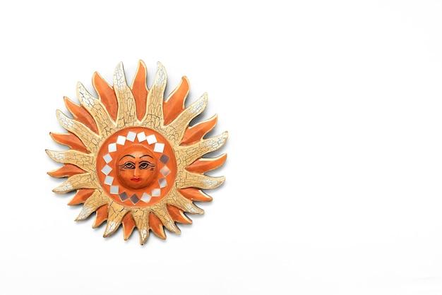 Pièce unique en forme de soleil