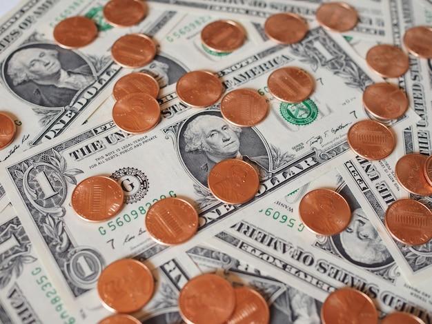 Pièces et billets en dollars