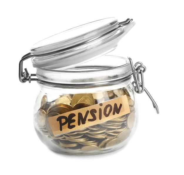 Pièces en bocal en verre avec étiquette pension on white