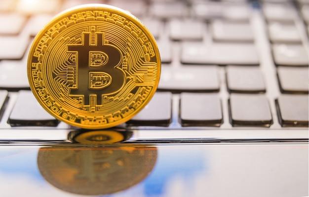 Pièces de crypto-monnaie - bitcoin, litecoin, ethereum, ripple crypto-monnaie