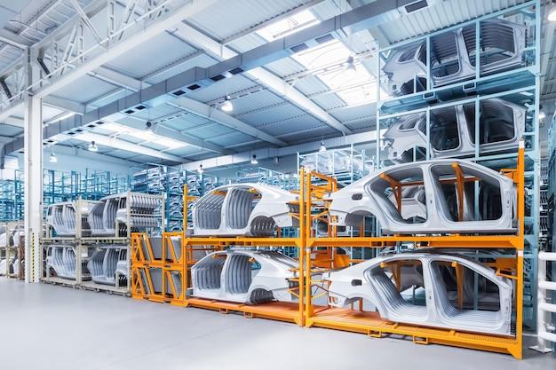 Pièces détachées dans une usine automobile