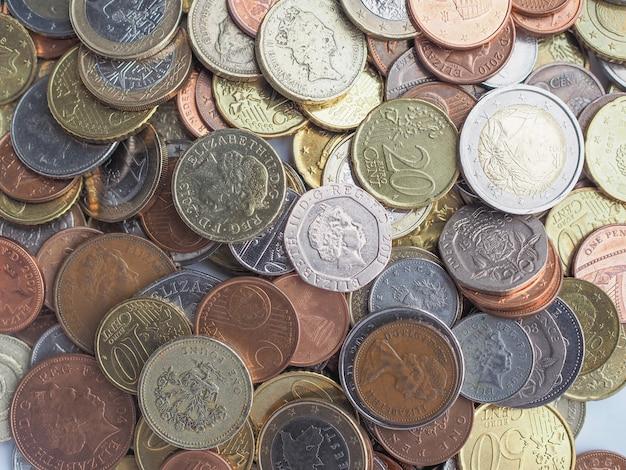 Pièces en euros et en livres