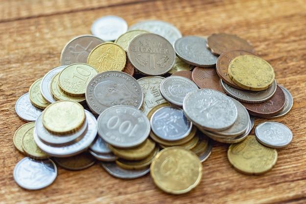 Pièces de monnaie ancienne euro en laiton rouillé seychelles bulgarie chine allemagne pile pack