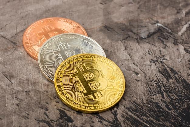 Pièces de monnaie bitcoin avec espace de copie.