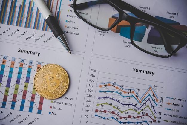 Pièces d'or et documents comptables - concepts simples