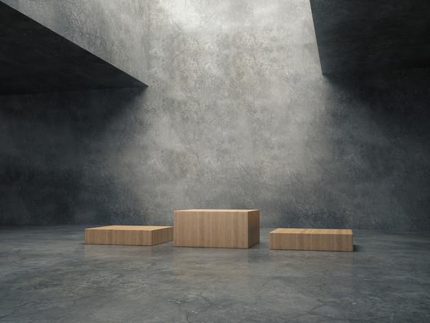Piédestaux en bois dans la salle de ciment