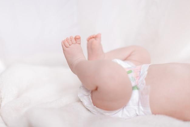 Pieds de bébé nouveau-né