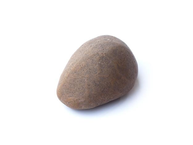 Pierre de galets, tas de pierres isolé sur un espace blanc, galets de mer