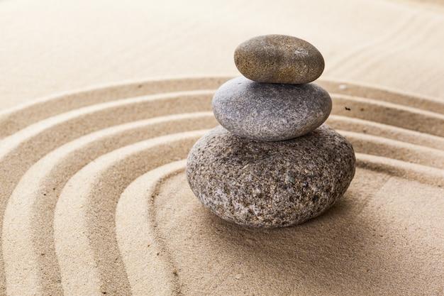 Pierre de méditation jardin zen