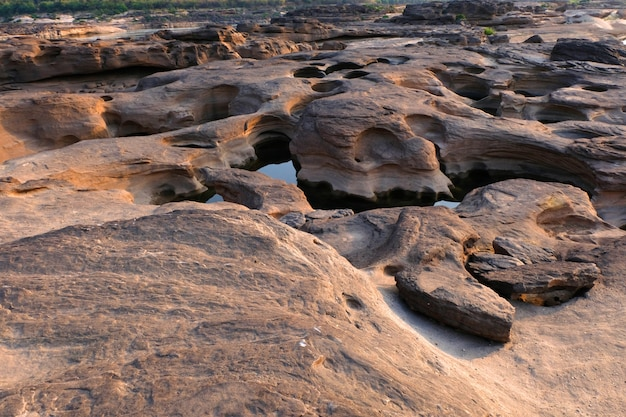 Pierre de montagne à sam phan bok, grand canyon de la thaïlande