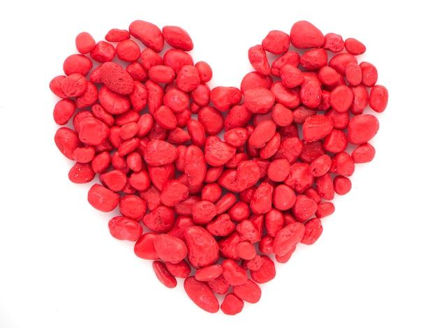 La pierre rouge est en forme de coeur