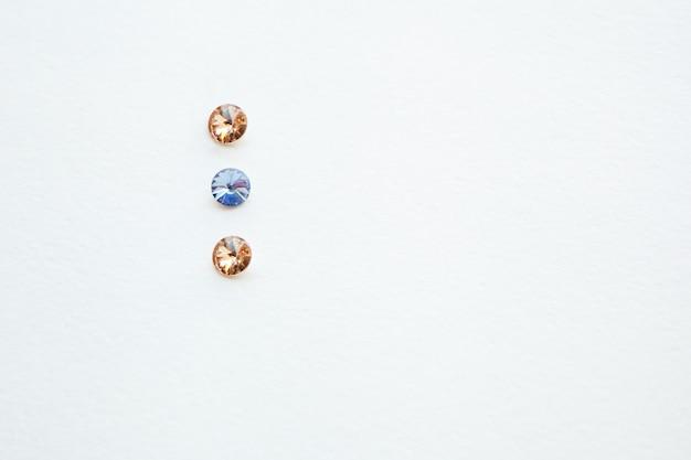 Pierres de cristal colorées macro minéraux quartz rugueux cristaux rugueux pour bijou améthyste