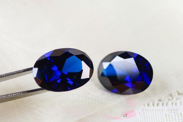 Pierres précieuses en zircone cubique, forme ovale, pierres de différentes couleurs