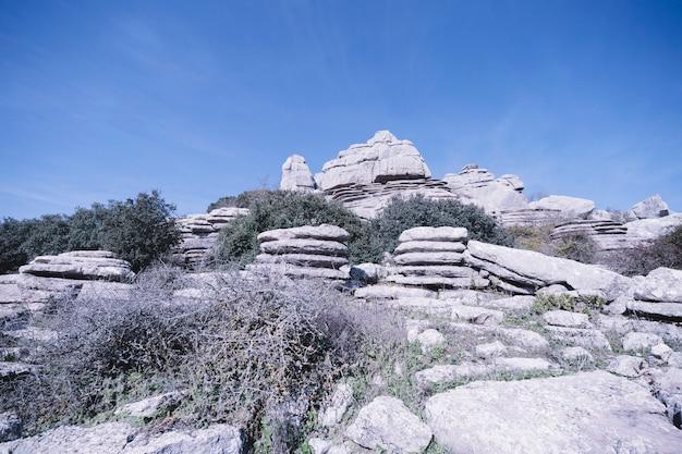 Pierres sur le rocher