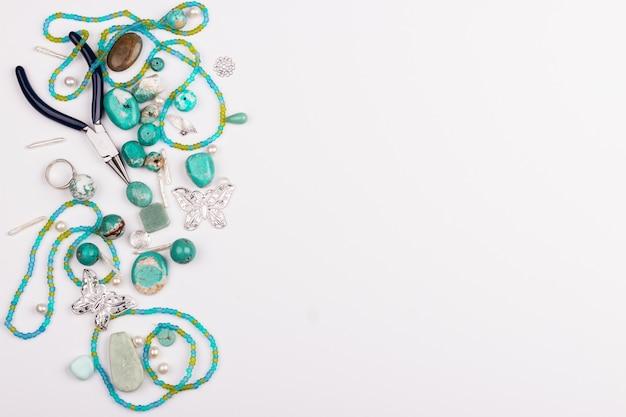 Pierres turquoises pour la fabrication de bijoux