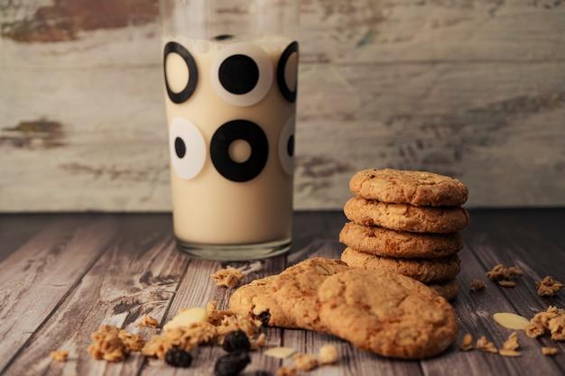 Pile de biscuits à l'avoine faits maison