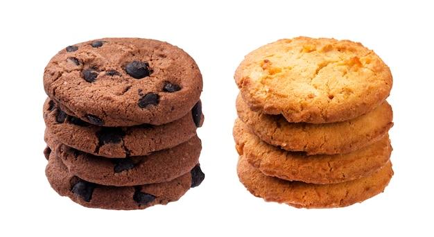 Pile de biscuits à l'avoine isolé sur blanc