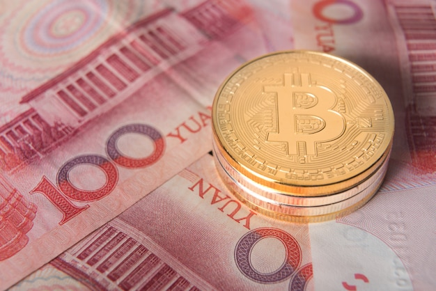 Pile de bitcoin, pièce en or, concept de crypto-monnaie