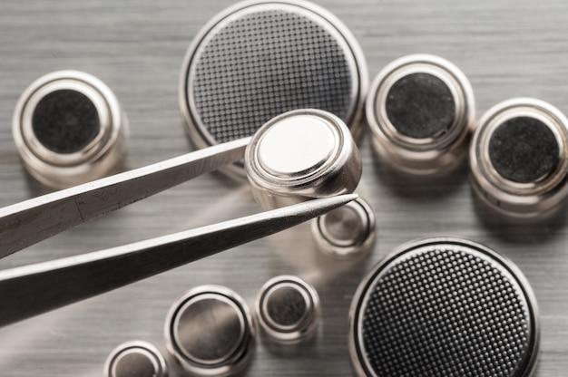 Pile bouton gros plan ou pile de montre ou pile bouton.