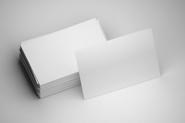 Pile de cartes de visite blanches vierges avec espace de copie vierge