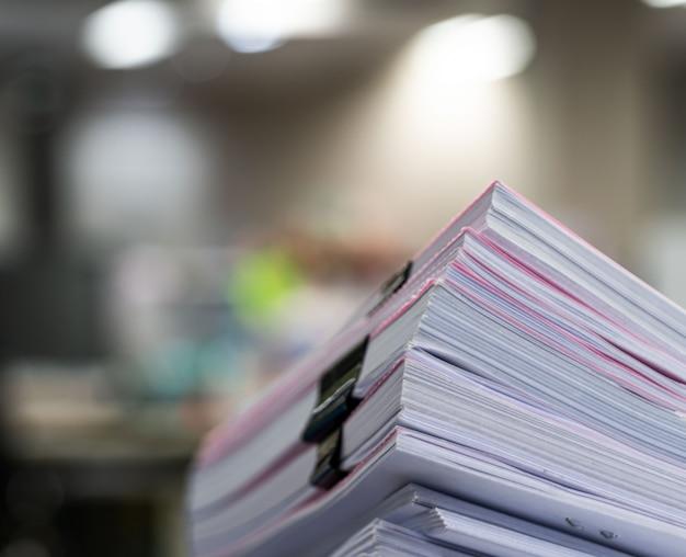 Pile de document sur la table, concept d'entreprise